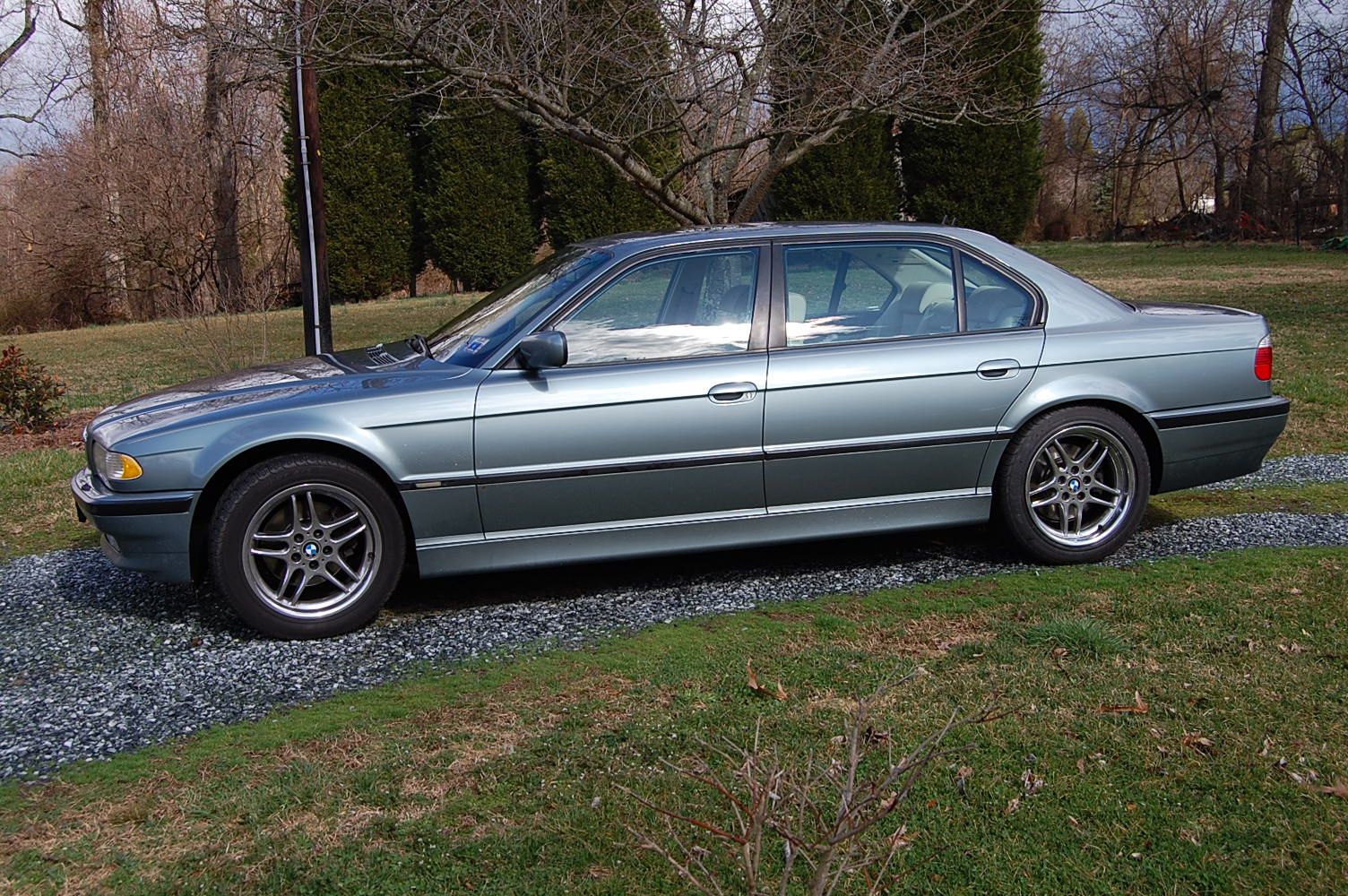 Newbie to this forum-740il-sport-005.jpg