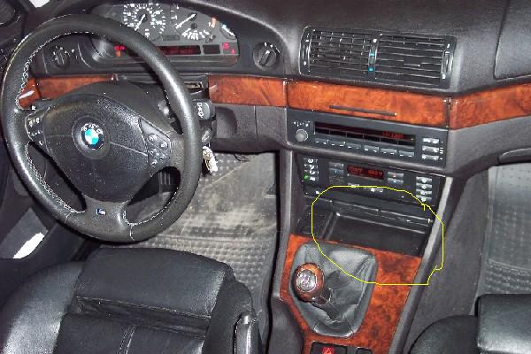 Cupholder Solution?-bmw_int4-cupholder.jpg