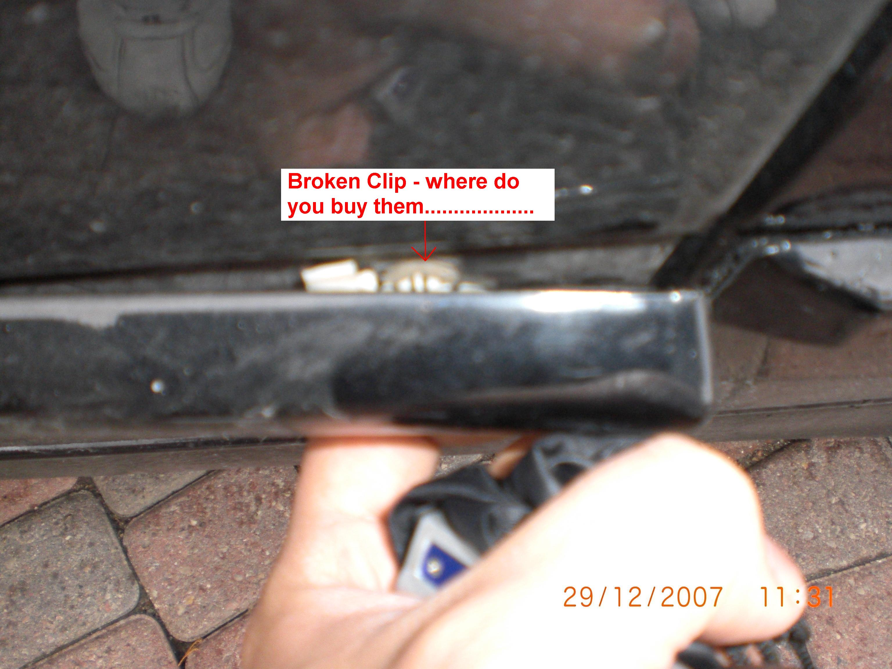 Need help - Side door panel trim....please....-cimg0061.jpg