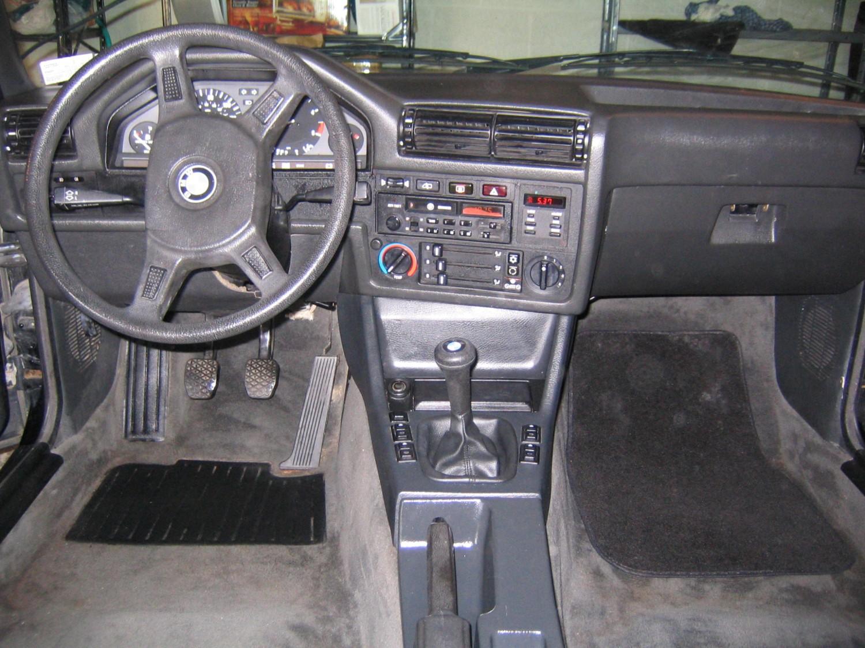 Bmw e30 325i interior for Interieur e30