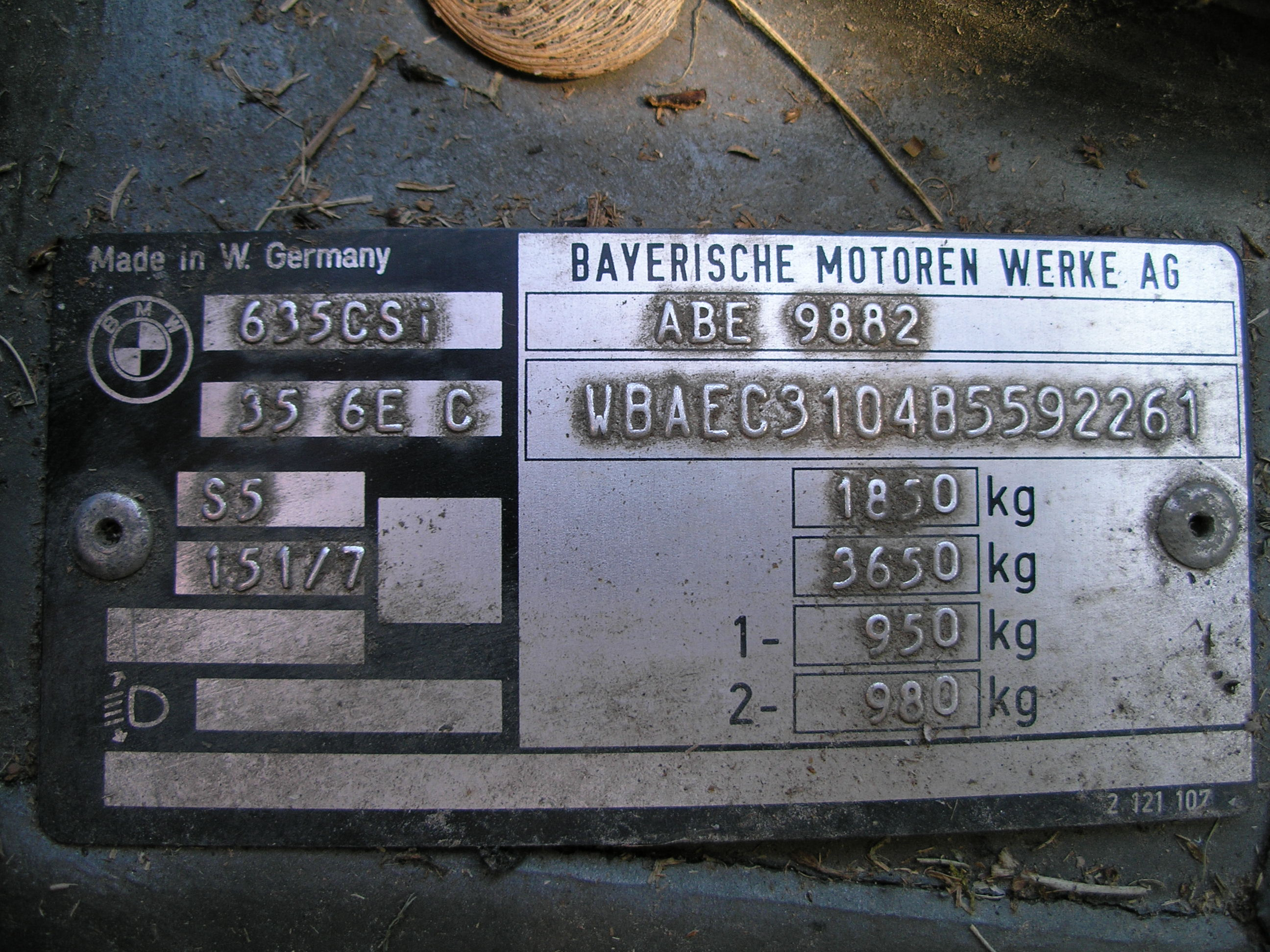 табличка дублирующая вин-код bmw f10